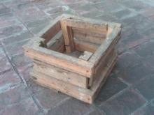CHICKEN BIRD NESTING BOX WOODEN GARDEN CRATE PRIMITIVE FARM RANCH TOOL