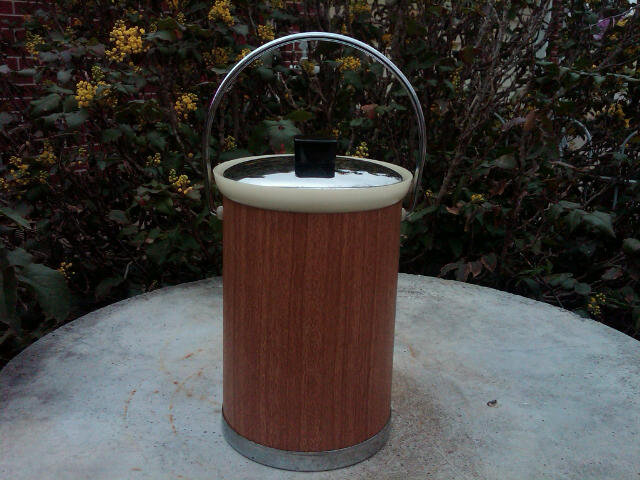 Kromex Steel Ice Bucket Bar Lounge Utensil Wood Grain Look Black Bakelite Knob Handle
