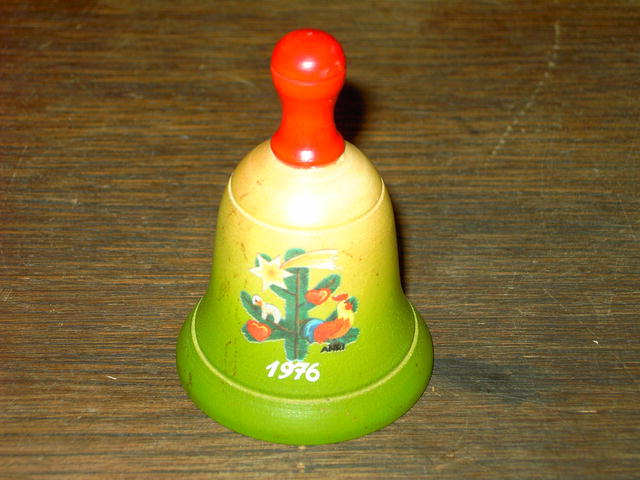 ANRI WOODEN BELL CHRISTMAS DECORATION 1976