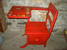 CHILDS SCHOOL DESK OAK WOOD PULL OUT DRAWER RED UMBER PAINT