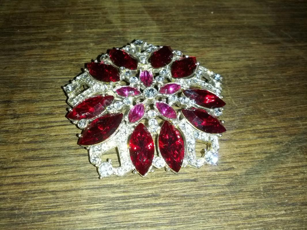 Eisenberg Ice Red Rhinestone Flower Form Brooch Pinwheel Style Lapel Jewelry Fashion Pin
