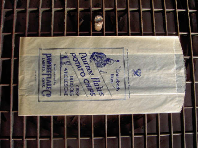PAWNEE FLAKES POTATO CHIP BAG INDIAN BRAVE LARNED KANSAS NATIONAL RIFLE ASSOCIATION ADVERTISING