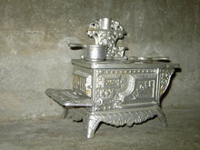 EAGLE CAST IRON COOK STOVE VICTORIAN CHILDS TOY COOKING UTENSIL