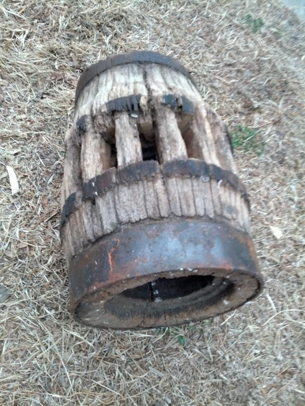 wagon wheel hub farm cart fixture primitive yard ornament garden decoration