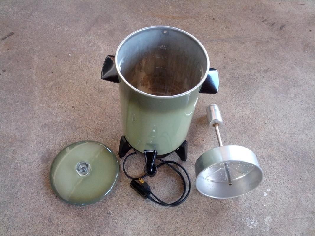 avocado green 22 cup perculator style coffee maker hot beverage brewer 1970's electric appliance