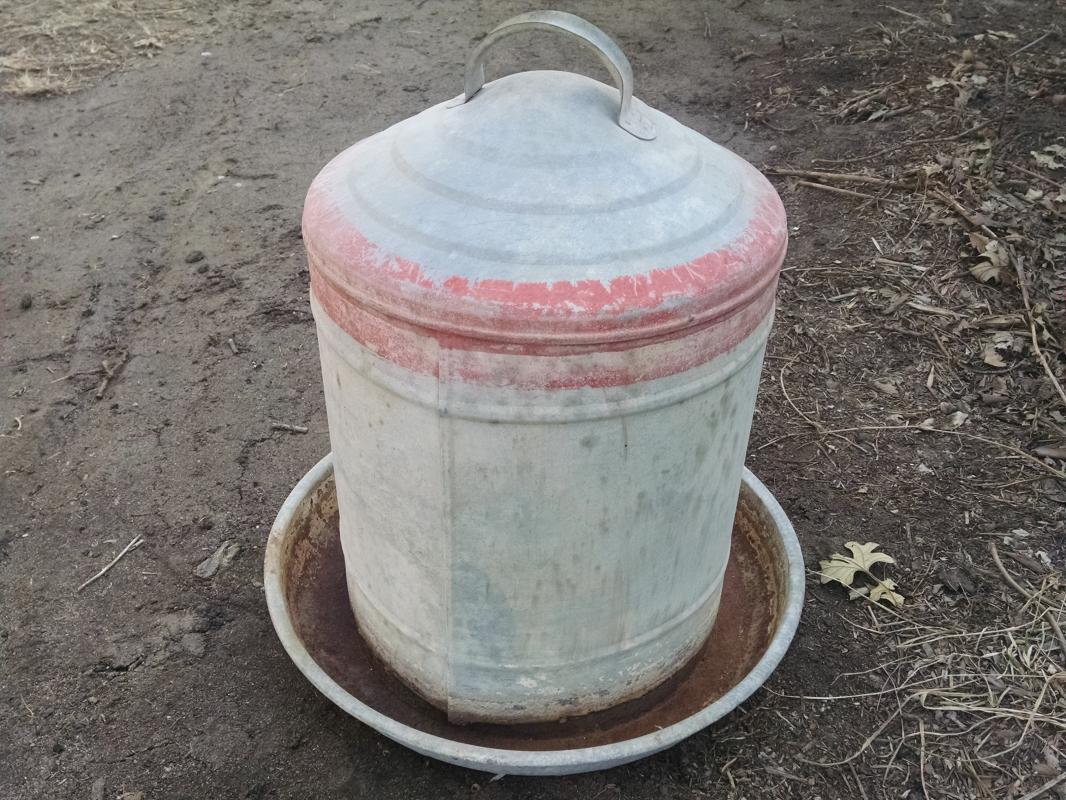 gambles farmcrest chicken poultry bird feeder galvinized steel feed seed tube farm ranch tool