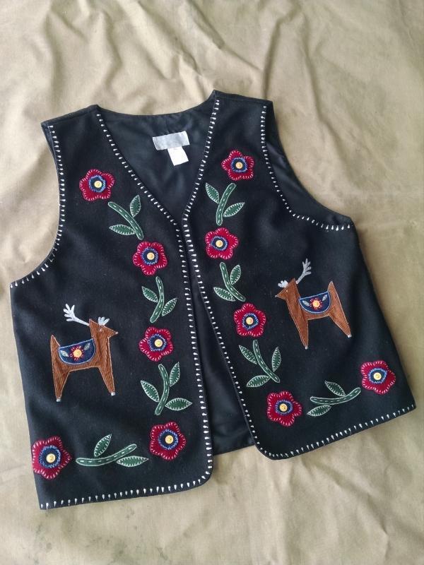 casey coleman wool blend black polyester vest deer floral flower pattern India manufactured ladies garment womens apparel size extra large