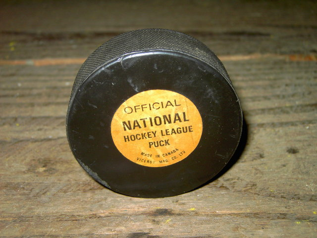 NATIONAL HOCKEY LEAGUE OFFICIAL PUCK VICEROY CANADA