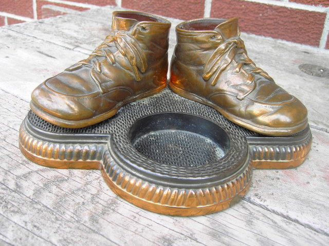 COPPER BRONZE BABY SHOE TRAY DESK ACCESSORY