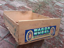 WAGON WHEEL BRAND SUNCREST PEACH BOX CALIFORNIA PRODUCE ADVERTISING CRATE