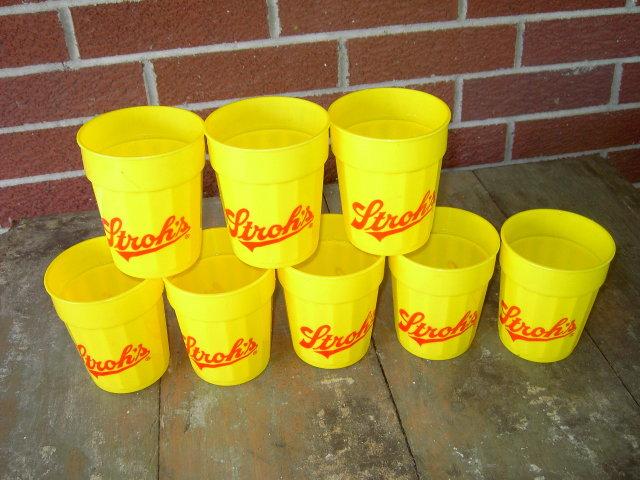 STROHS GRAFFI CUP KEG TUMBLER PLASTIC GLASS SHAWNEE MISSION KANSAS