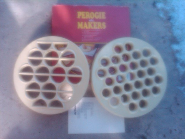 Perogie Dough Recipe Mold Ravioli Tart Forming Tray Kitchen Utensil Actions Original Box
