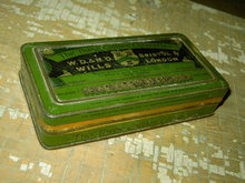 THREE CASTLES CIGARETTE TIN CAN VIRGINIA TOBACCO CANNISTER LONDON BRISTOL ENGLAND WILLS W D & H O