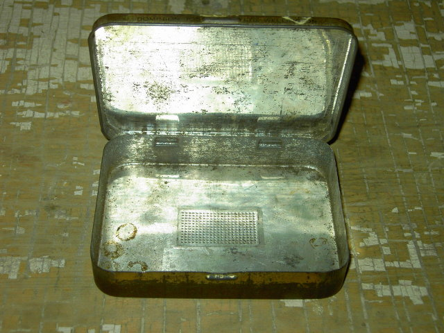 SILVER FERN CUT PLUG CIGARETTE TOBACCO TIN CAN WELLINGTON NEW ZEALAND DOMINION COMPANY