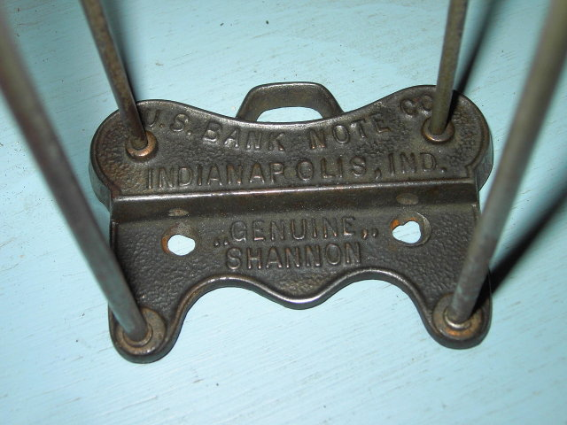 UNITED STATES BANK NOTE WALL CLIP INDIANAPOLIS INDIANA GENUINE SHANNON CAST IRON ADVERTISING