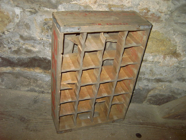 KENOSHA WISCONSIN WOODEN CRATE PEPSI COLA SOFT DRINK BOTTLE TOTE CARRIER BOX