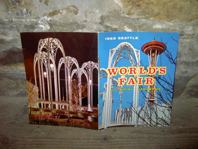 1962 SEATTLE WORLDS FAIR PICTORIAL PANORAMA BOOKLET
