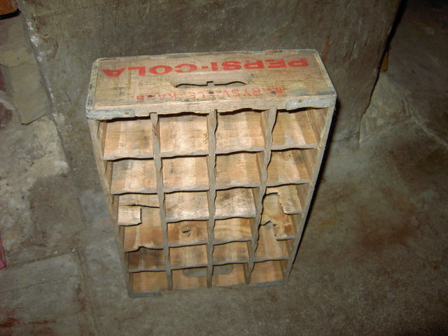 MARYSVILLE KANSAS CRATE PEPSI COLA SOFT DRINK BOTTLE TOTE BOX CARRIER CASE