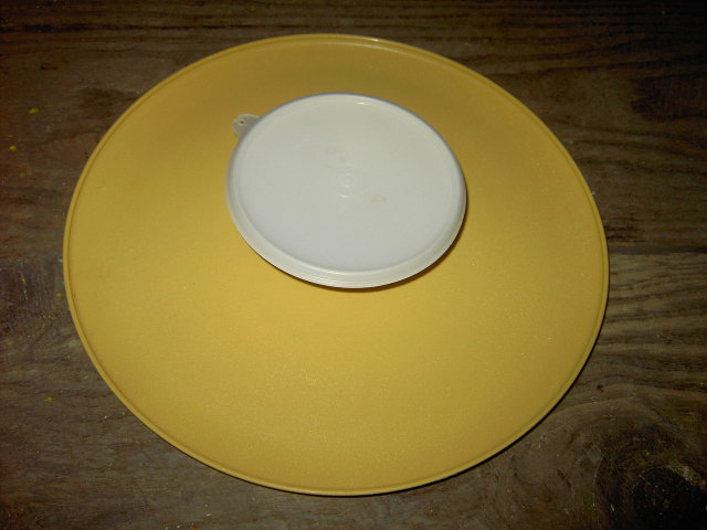 TUPPERWARE DIP BOWL CHIP TRAY CONDIMENT SERVING PLATE