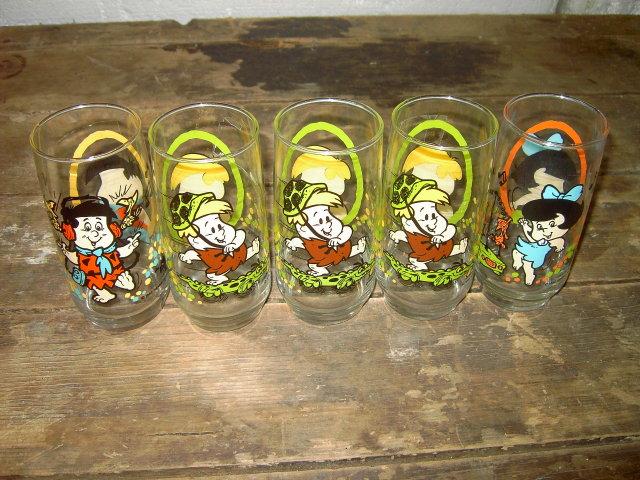 FLINTSTONE KIDS CARTOON GLASS TUMBLER HANNA BARBERA 1986 PIZZA HUT