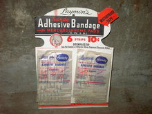 LAYMONS HANDY ADHESIVE BANDAGE MERCUROCHROME PAD STORE ADVERTISING DISPLAY CARD