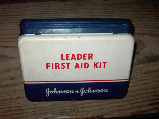 JOHNSON LEADER FIRST AID CAN TIN STORAGE BOX