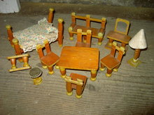 CLOTHESPIN DOLL FURNITURE PAINTED WOOD LAUNDRY CLIP TRAMP ART DOLLHOUSE TOYS