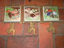 ROOSTER CHICKEN CAST IRON TRIVET CEREMIC TILE