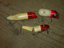 SHAKESPEARE MARTYS MIGHTY MOUSE FISHING LURE WOODEN BAIT PLUG JOINTED MINNOW RED WHITE FISH ANGLER TACKLE ACCESSORY