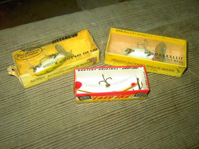 LAZY IKE WOODEN FISHING LURE JITTERBUG FISH PLUG KAUTZKY FORT DODGE IOWA FRED ARBOGAST AKRON OHIO ORIGINAL ADVERTISING BOX