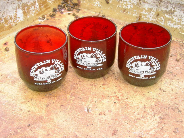 MOUNTAIN VILLAGE BULL SHOALS ARKANSAS OZARKS RUBY RED TUMBLER BAR GLASS