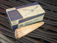 HAND CARVED WOOD COCKTAIL PICK CONDIMENT STICK SET ORIGINAL PORTUGAL CARDBOARD ADVERTISING BOX
