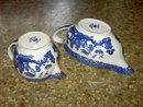 JOHNSON BROTHERS BLUE WILLOW PATTERN GRAVY SAUCE BOAT CREAM PITCHER