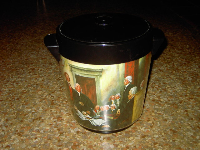 THERMO SERV ICE BUCKET RETRO BAR ACCESSORY DECLARATION OF INDEPENDENCE AMERICAN HISTORY SCENE