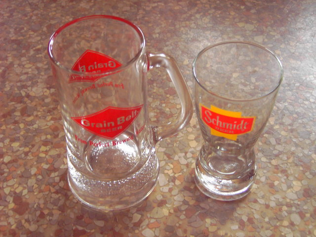 GRAIN BELT SCHMIDT BEER MUG COCKTAIL GLASS TUMBLER CERVEZA BREW ADVERTISING BAR UTENSIL RETRO ERA LOUNGE COLLECTIBLE