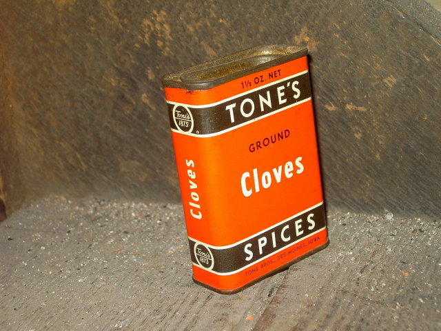 TONES GROUND CLOVES CAN TIN SPICE CANNISTER DES MOINES IOWA ADVERTISING
