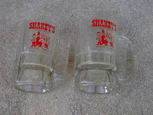 SHARKEYS PIZZA PARLOR WICHITA KANSAS ADVERTISING GLASS BEER MUG LOUNGE BAR TANKARD