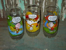 PEANUTS CAMP SNOOPY CARTOON GLASS TUMBLER MCDONALDS FAST FOOD CUP