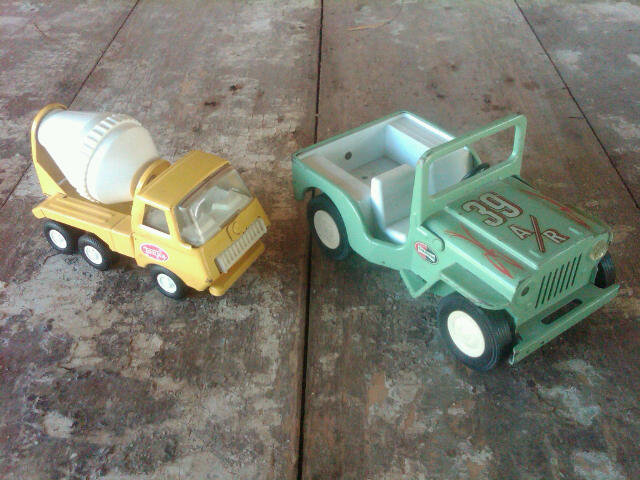 TONKA CEMENT TRUCK STEEL JEEP TOY VEHICLE