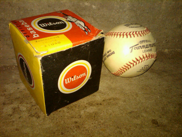 OFFICIAL TOURNAMENT LEAGUE BASEBALL SPORT EQUIPMENT WILSON CARDBOARD BOX