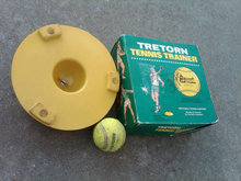 BANCROFT TRETORN COURT COLLECTIBLE EQUIPMENT TENNIS BALL TRAINER WOONSOCKET RHODE ISLAND BOX SWEDEN YELLOW RUBBER STAND