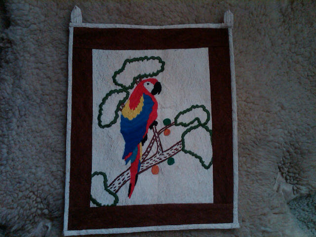 MACAW RED PARROT BIRD TAPESTRY RETRO ERA WALL HANGING HONDURUS MADE DECORATION