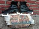 MENS ICE SKATES CANADIAN MADE WINTER OUTDOOR APPAREL HANS BRINKER SILVER FLYER ROUGH ADVERTISING BOX