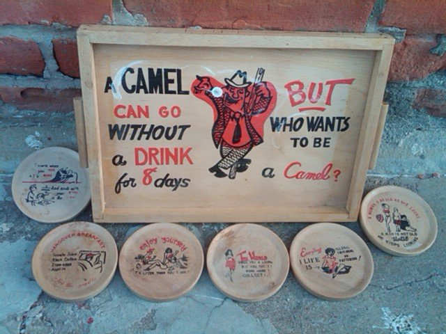 CAMEL GAG GIRLY CARTOON STYLE BAR TRAY 1950'S ERA NOVELTY COASTER SET LOUNGE ACCESSORY