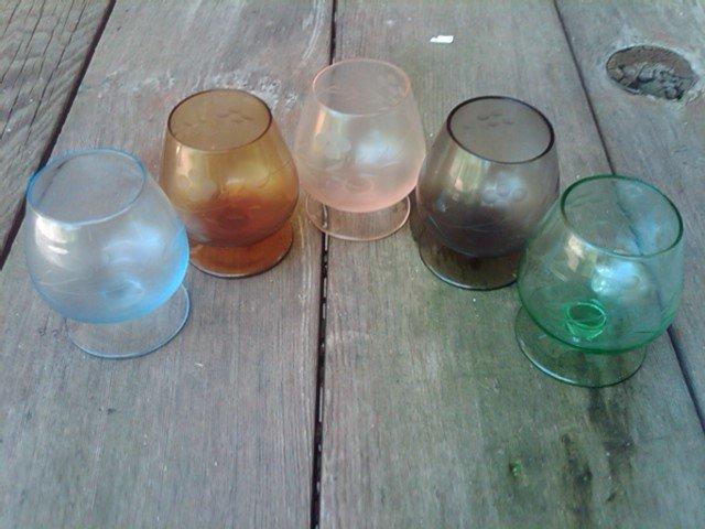 COLORED GLASS COGNAC STEM LIQUOR SERVING SNIFTER ETCHED FLORAL FLOWER PATTERN RETRO BAR GLASSES