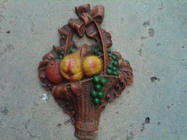 ORNAWOOD FRUIT BASKET WALL PLAQUE SIMULATED WOOD ORNAMENT DECORATION
