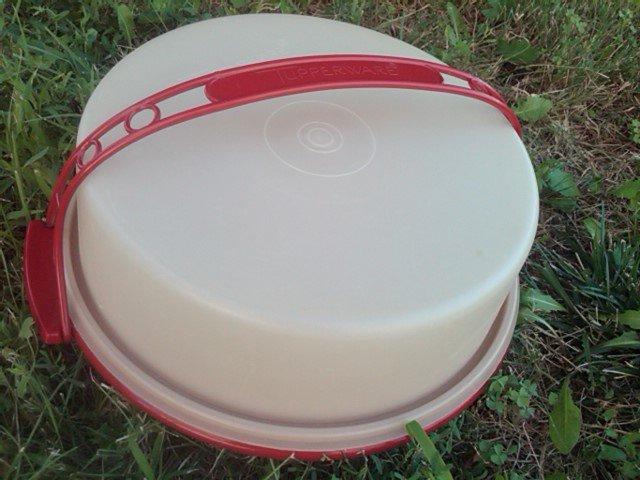 Retro Red Plastic Tupperware Pie Caddy Cake Dessert Carrier Bakery Transport Tub