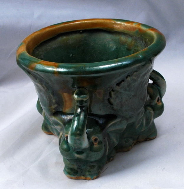 Majolica Drip Glaze Elephants Pottery Planter.   ** PRICE REDUCED !**