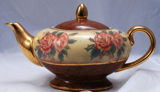 Aladdin's Lamp Style Teapo  Hand painted Roses & Gold Trim  * PRICED REDUCED!**