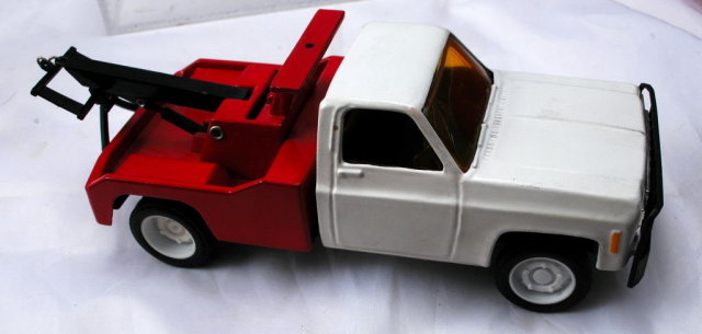 1975 CHEVY Tow Truck Wrecker AMOCO STANDARD OIL by Ertl.